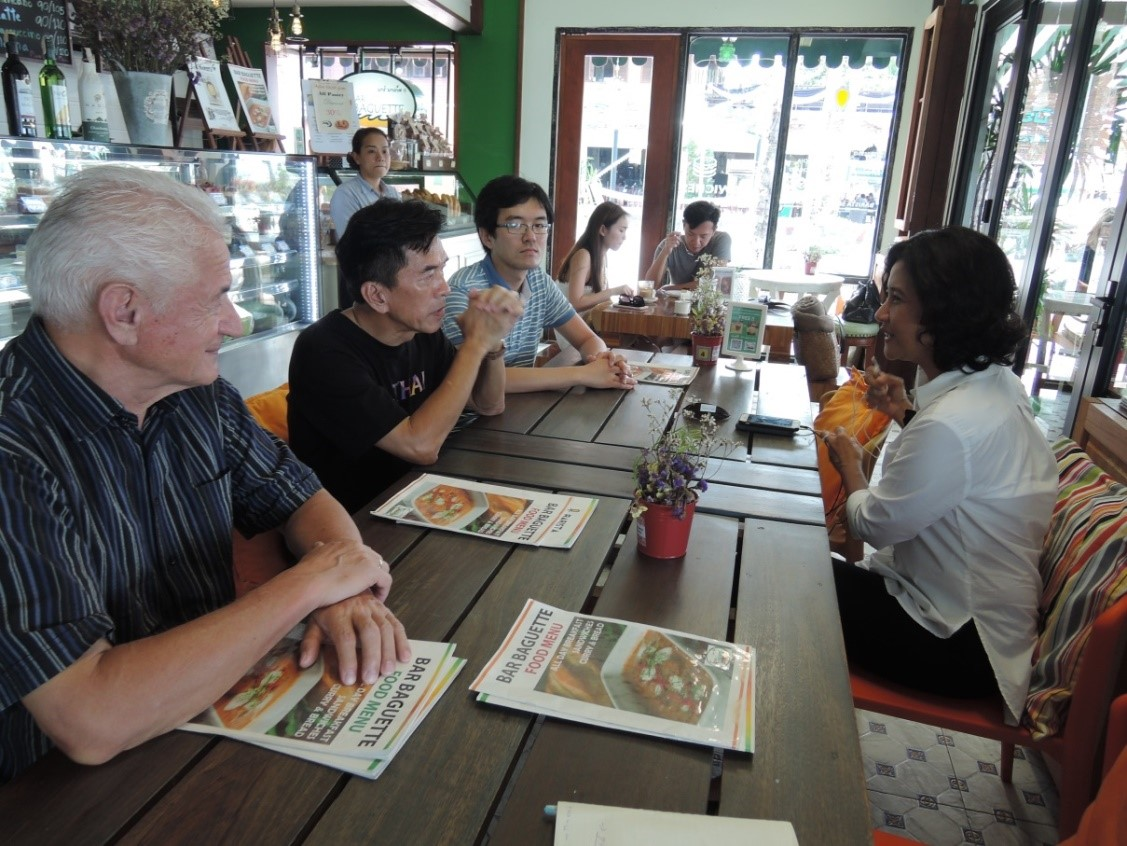 Figure 6 Exchanges with the local stakeholders on the island of Koh Samui was carried out in a form of dialogue.